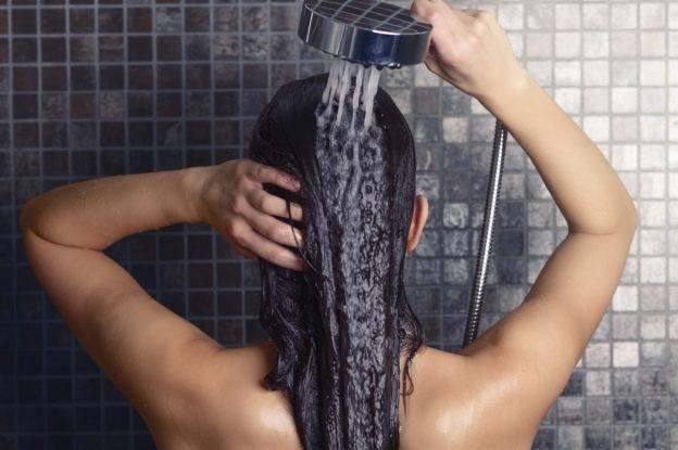 A água pode mudar o seu cabelo?
